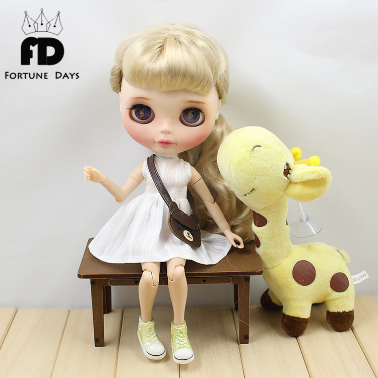 Blyth Doll Clothes for blyth dolls ,azone ,1/6 doll white dree pink bag brown bag 1 pairs fashion cute white sport shoes blyth doll shoes suitable for licca azone 1 6 doll