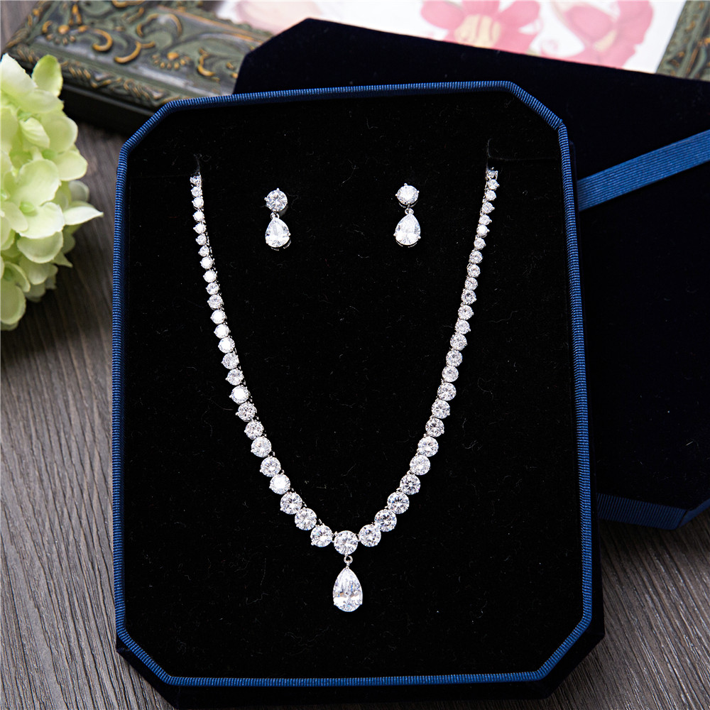 все цены на Fashion Silver-Tone AAA Cubic Zirconia Round Shape Necklace Stud Earrings Pear Pendant Women Jewelry Sets for Wedding Party Prom