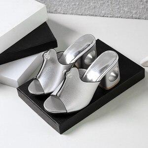 Image 4 - Smirnovaプラスサイズ 34 48 ファッション夏新靴女性の正方形のハイヒールの靴女性カジュアルサンダル女性 2020 夏の靴