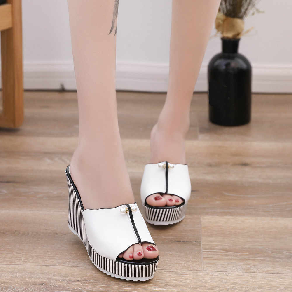 Yaz takozlar sandalet yüksek topuklu plaj terlikleri platformu şerit inci sandalet flip flop kadın ayakkabı Sandalias mujer ayakkabı