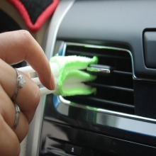цены на Green Car Air-conditioner Outlet Dirt Duster Cleaner Brush Car Air Conditioning Vent Blinds Cleaning Brush Car Accessories  в интернет-магазинах