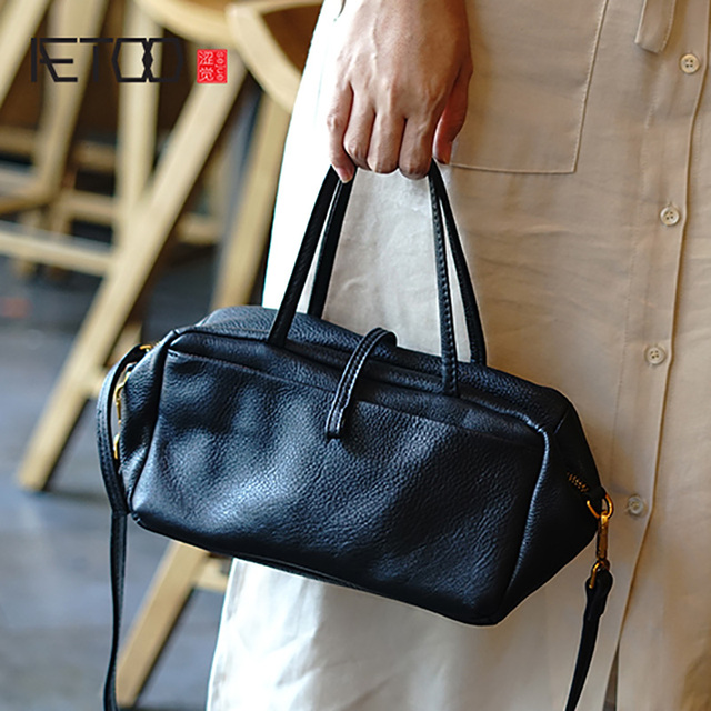 AETOO Simple and practical retro doctor bag cowhide shoulder light oblique cross bag portable commuter leather casual female bag