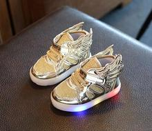 Children shoes with light 2017 Fashion glowing sneakers boys little girls shoes wings canvas flats spring kids light up shoes