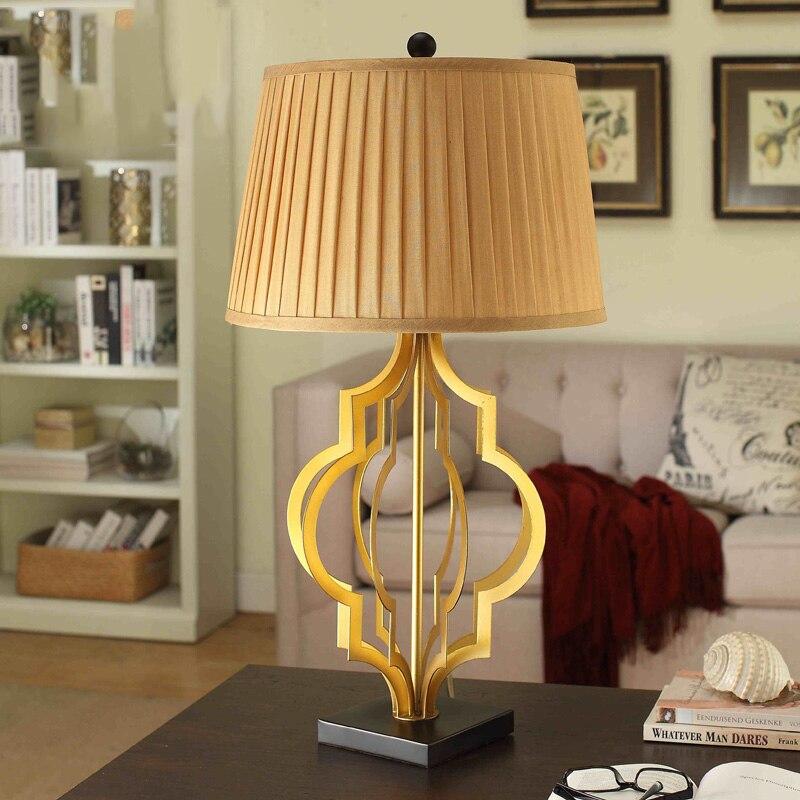 Роскошь современные золотистого металла настольная лампа с черным смолы базы Настольная лампа Свет для Спальня Гостиная исследование Lampara ... ...