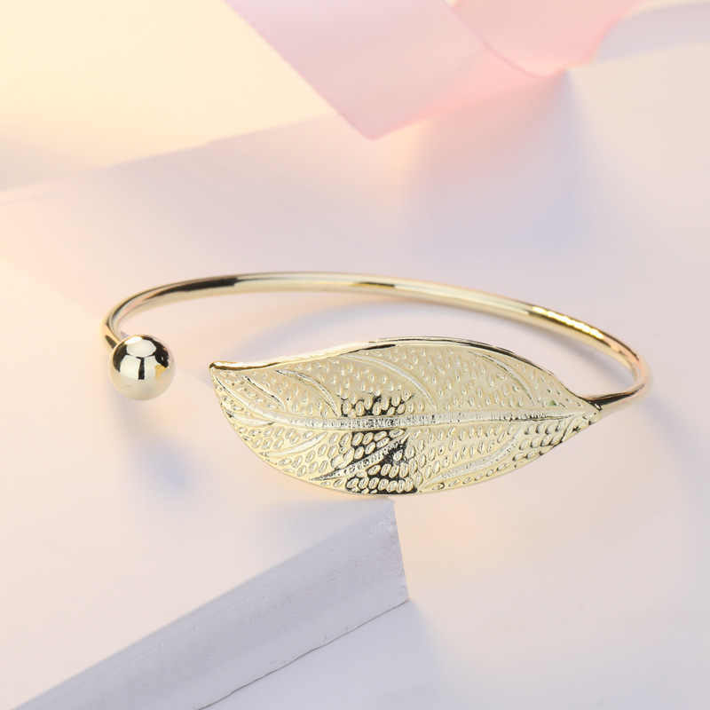 ZHOUYANG Bangles For Women Sweet Literary Elegant Fresh Leaf Shaped 4 Color Charm Open Bracelet Gift Fashion Jewelry KAH139