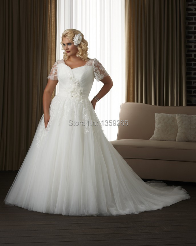 Plus size wedding dress women lace sleeve short bride gown for Taille plus mariage dresse