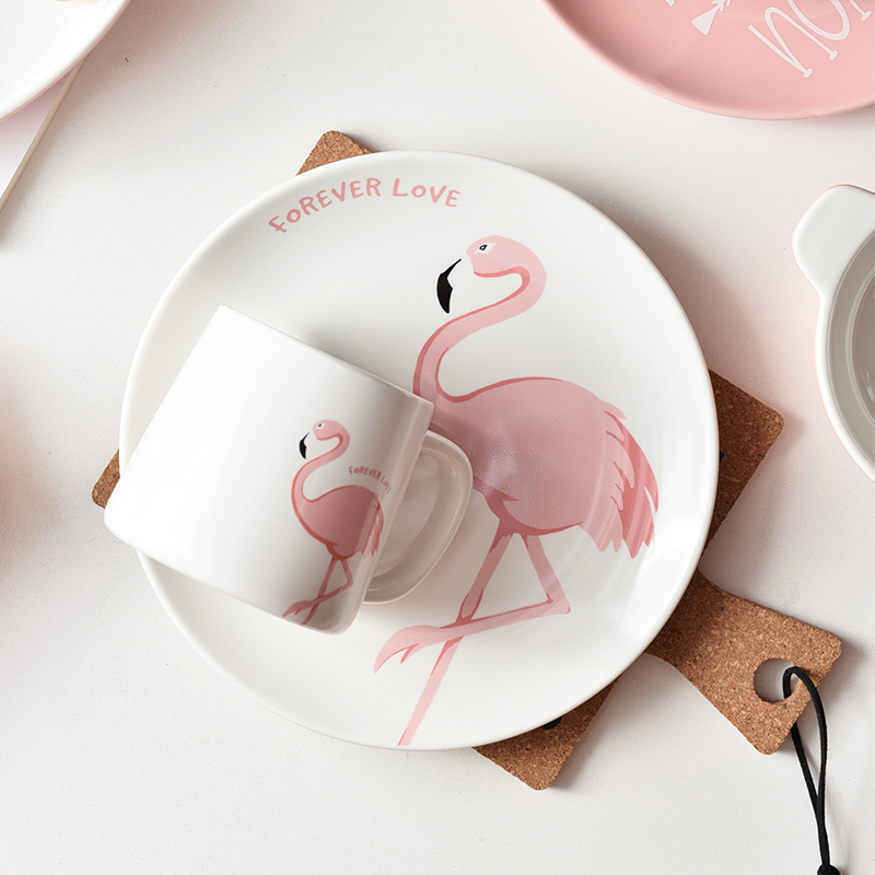 High Bone China Pink Flamingo <font><b>Coffee</b></font> <font><b>Cup</b></font> <font><b>Set</b></font> Creative Cute Ceramics <font><b>Coffee</b></font> <font><b>Cup</b></font> And Saucer Home Afternoon Tea Free Shipping image