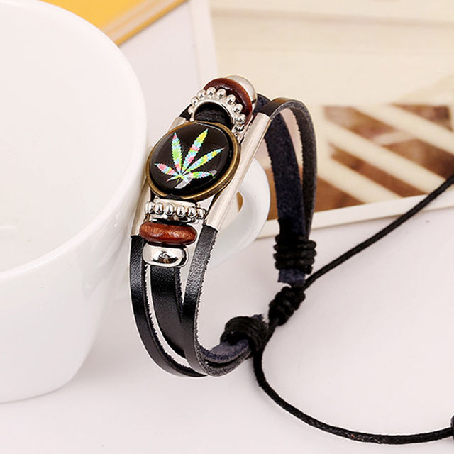 New Trendy Charm ID Bracelet Round Studded Male Leather Cuff Wrap Bracelet Wristband Jewelry Men's Color Maple Leaf Bangle