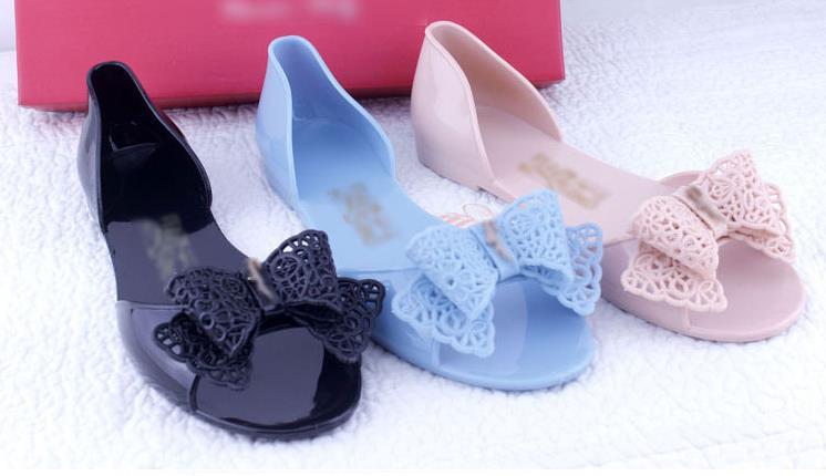 chaussures plastique ete. Black Bedroom Furniture Sets. Home Design Ideas