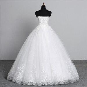 Image 2 - Vraie Photo Simple dentelle fleur sans bretelles blanc cassé mode Sexy robes de mariée pour les mariées grande taille vestido de noiva