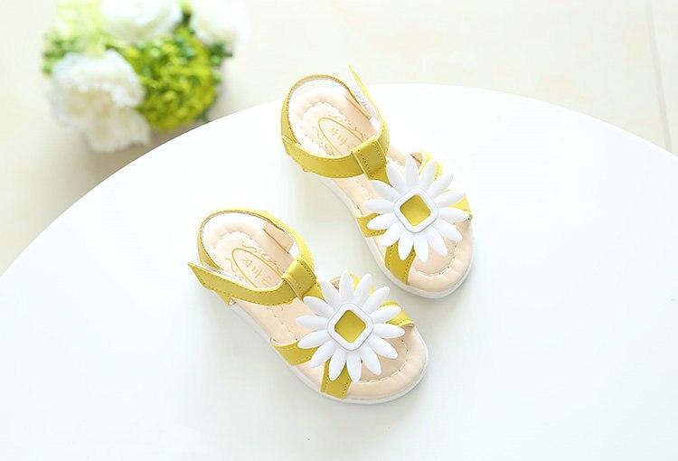 32b170bf36029 2017 New Baby Girls Summer Beach Sandals Sunflower flower design Girls  Princess Slippers Kids Casual Single Girls Sandals-in Sandals from Mother    Kids on ...