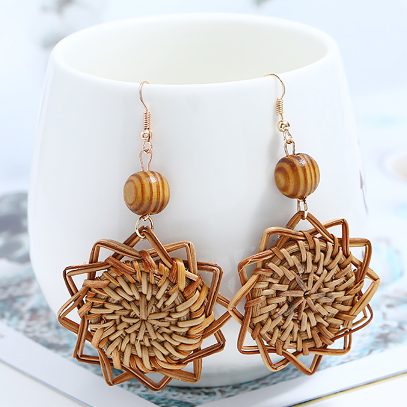 AENSOA Wooden Straw Weave Rattan Knit Vine Flowers Earrings For Women Hollow Flora African Woman Wooden Pendant Earrings Brincos
