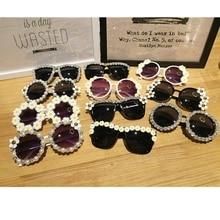 12 Design Handmand Rhinestone Sunglasses Fashion Glasses Women Flower with Pearl Round Vitnage Sunglasses Beach Party