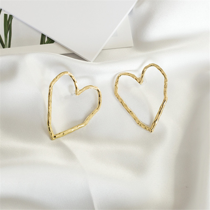 Fashion Metal Hollow Heart Stud Earrings Woman Exaggerated Big Earrings Punk Popular Nightclub Earrings For Women Jewelry 2019