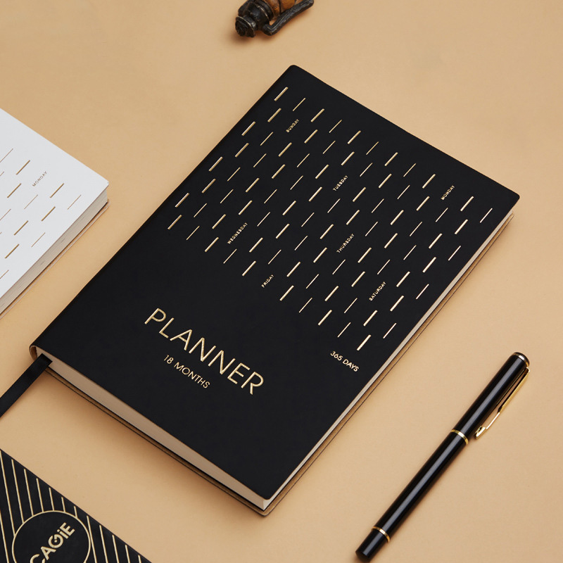 Calendario Diario 2020.La Agenda 2019 2020 Organizador Planificador Diario A5 18 Meses Calendario Cuaderno Y Diario De 365 Dias Personal Semanal Nota De Viajes Libros