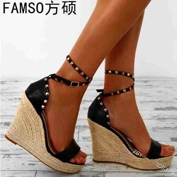 FAMSO 2019 New Shoes Women Sandals  Large Size 34-43 Classics Wedges Straw Sandals Black Gold Rivets Sexy Party Sandals Shoes