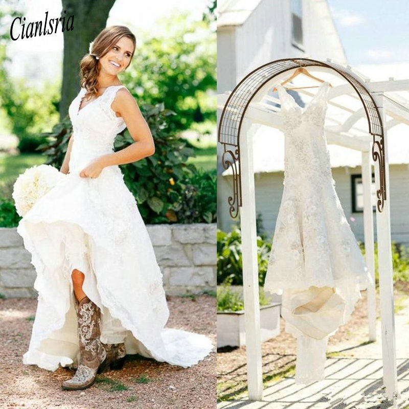 2020 Rustic Cowgirl Boots Lace Wedding Dresses Boho v-neck flowes Country Bridal Dress V-Neck Bohemian Wedding Gowns Custom Made