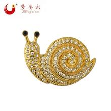 Фотография 2017 New Fashion jewelry Animal  Brooch Bouquet For Women Cheap Broche Wedding Casamento Souvenir Cute Crystal Snails  brooches