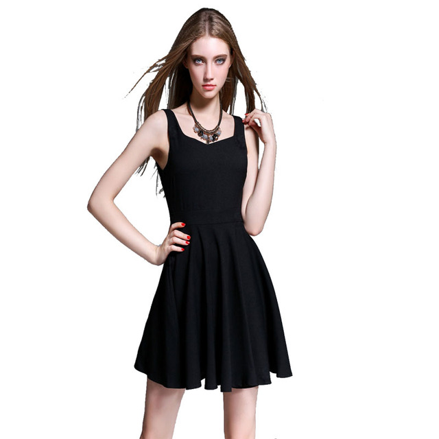 Petite robe noire courte