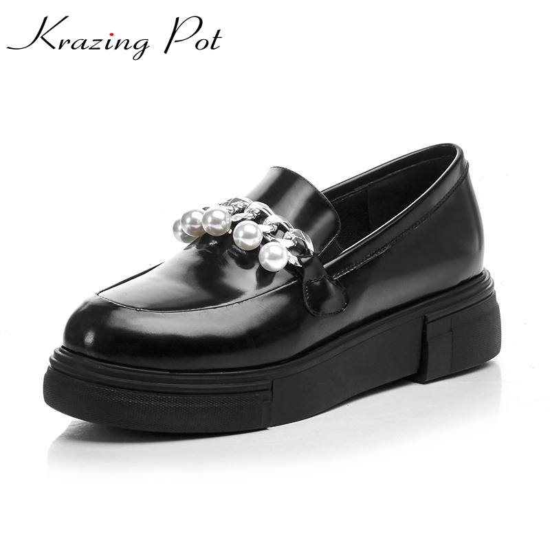 2017 New fashion brand shoes patent leather round toe preppy retro style chains pearl low heels women pumps thick heel shoes L35 2017 shoes women med heels tassel slip on women pumps solid round toe high quality loafers preppy style lady casual shoes 17