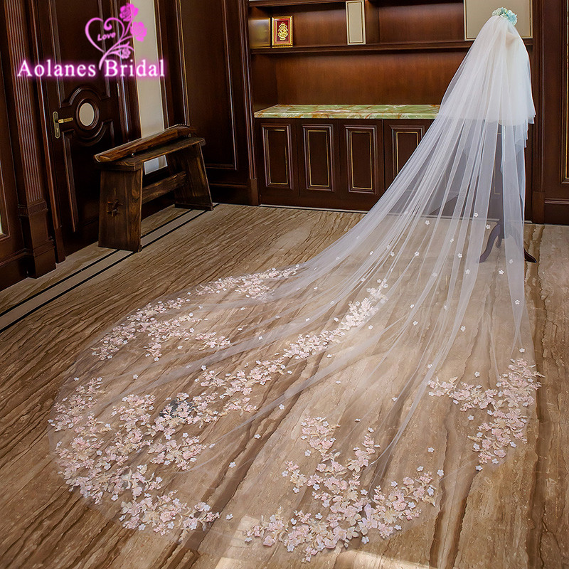 AOLANES 2018 Light Pink Appliques Edge 3M Wide 3.5M Long Bridal Veils Two-layer Cathedral Wedding Veil with Comb Voile Mariage