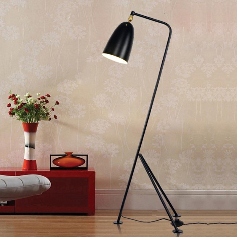 https://ae01.alicdn.com/kf/HTB1YpEwPVXXXXa5XpXXq6xXFXXXN/Designer-Creatieve-Ijzer-Sprinkhaan-driehoek-Vloerlamp-Loft-Industri-le-Staande-Lamp-Hotel-Slaapkamer-Studie-Woonkamer-Licht.jpg