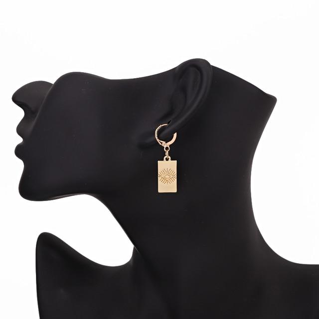 1 paar Ethnische Trendy Carving Bösen Augen Hoop Ohrringe Für Frauen Gold Metall Farbe Rechteck Anhänger Kleine Kreis Ohrringe Schmuck