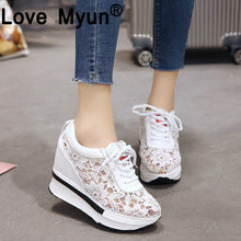 56cb3694096 Venta caliente 2019 de verano nuevo encaje zapatillas transpirable de  deporte de las mujeres zapatos cómodos