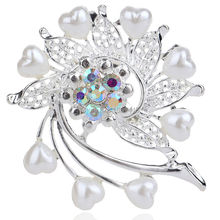 Fashion Silver Rhodium Plated Crystal Heart Flower Brooch Luxury High Grade Popular Wedding Bouquet Jewelry Brooch Pins