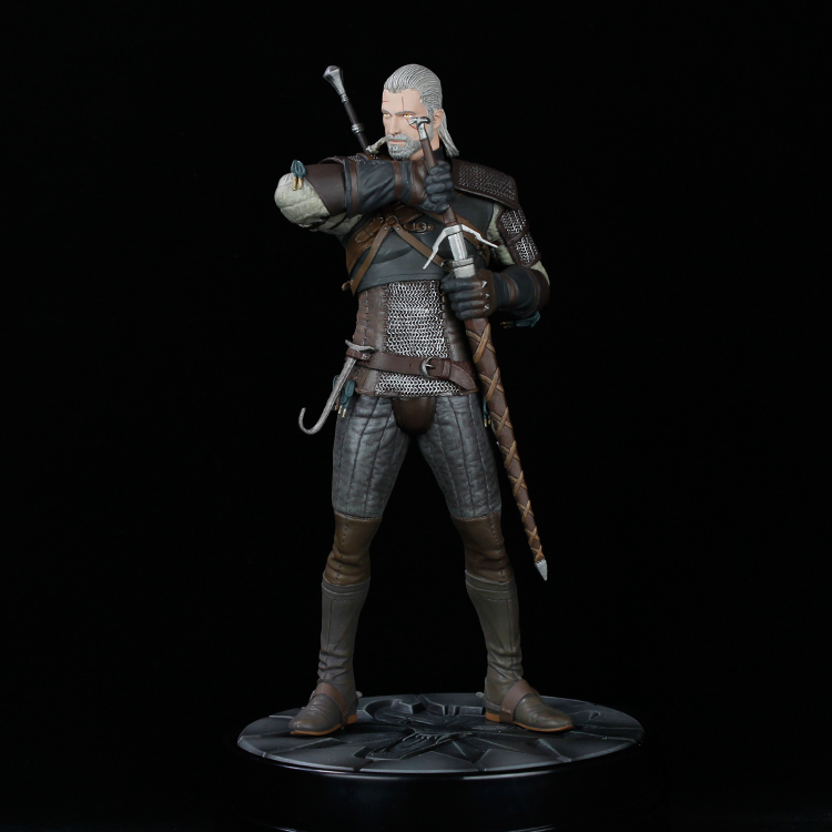 Newest 5 style orinigal The Witcher 3 - Wild Hunt: Yennefer Figure Dark Horse The Witcher PVC Game Figure Collection Model Toy