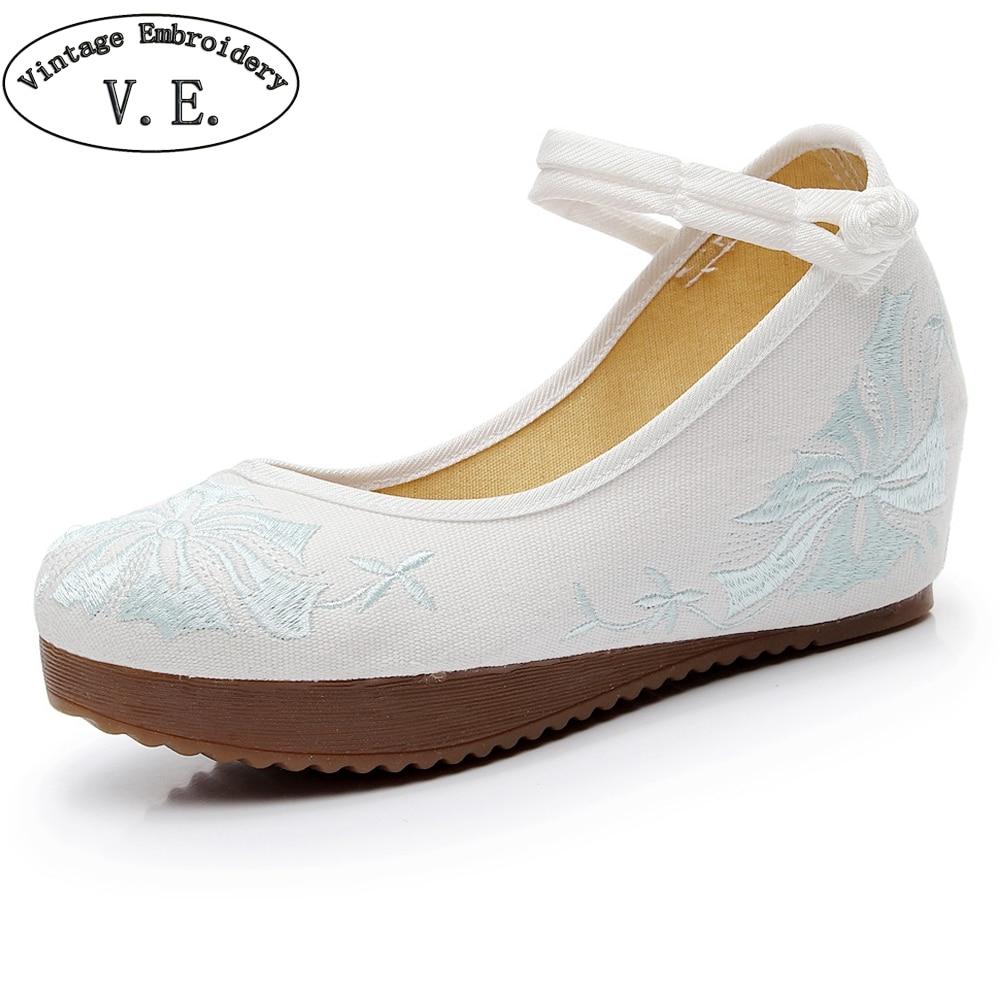 Vintage Floral Embroidery Woman Pumps Shoes Canvas Casual Re