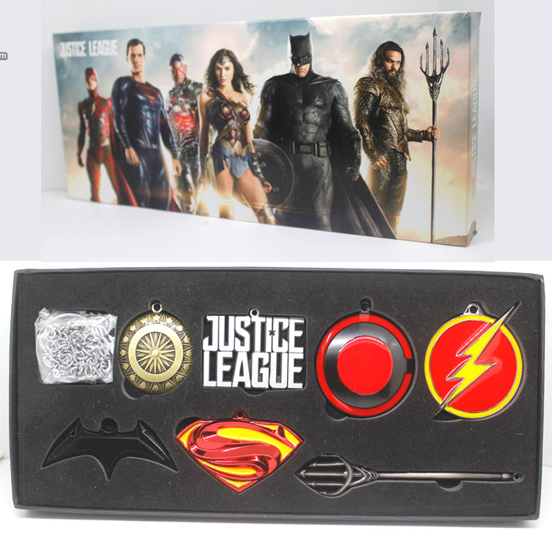 DC COMICS Justice League Superman Wonder Woman Batman The Flash Aquaman Metal Model Weapons Pendants 7-pack брелок dc comics batman logo