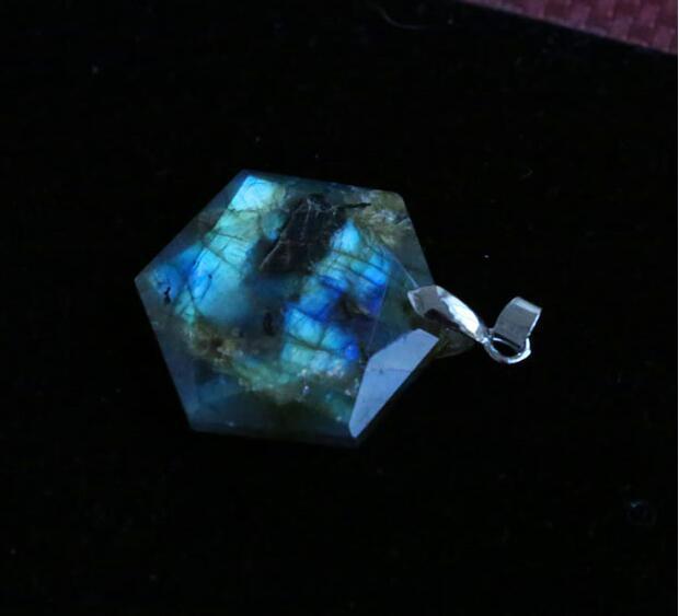 A + + טבעי מונסטון אבן תליוני קוורץ, תליון לוברדורית גדול לווין, תליון יהלומים גברים עם חבלים