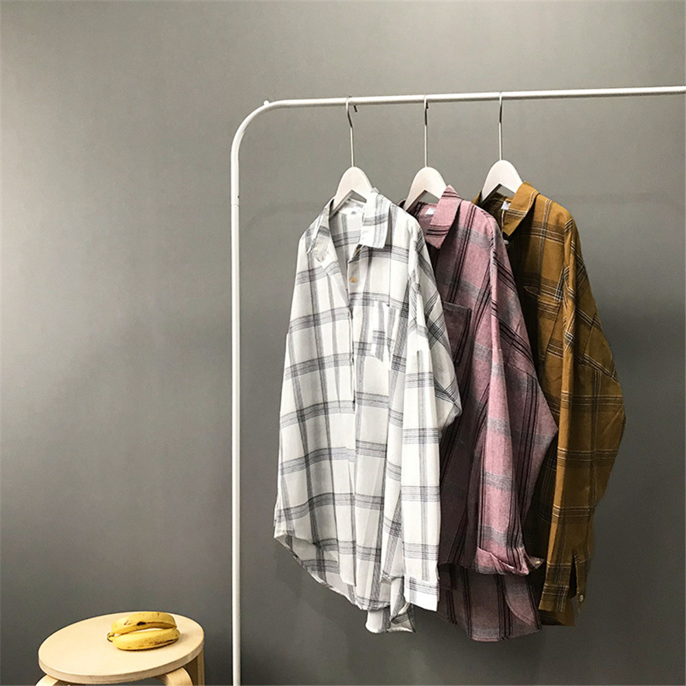 Big Loose women plaid blouses shirts 2018 Women Office Air Conditioner Blouse Shirt Female Outerwear Casual Pocket Shirts (7)
