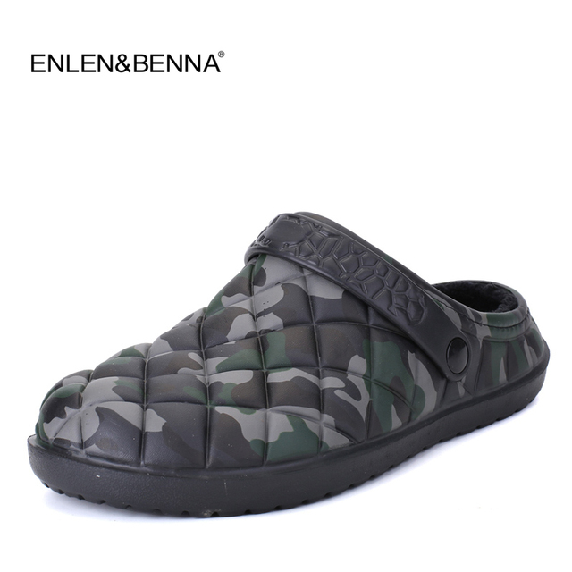 b54d684506d6 Winter Men Sandals 2018 Men Beach Shoes Camouflage Slippers plush Warm Flip  Flop Plush Garden Sandals