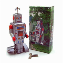 Classic Tin Wind Up Clockwork Toys Robot Model Wind-up Tin Toy For Children Adults Educational Collection Gifts
