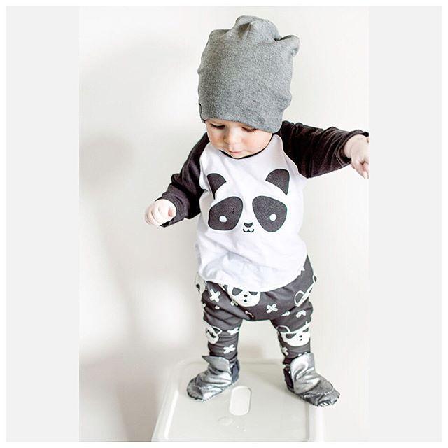2017 Autumn New Baby Boy Clothes Long-sleeved Cartoon Panda T shirt+Pants 2 Pcs Newborn Clothes Baby Girl Clothing Set