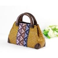 The new Chinese wind handmade grass women 's bag fashion national wind ladies bag wooden handle green handbag