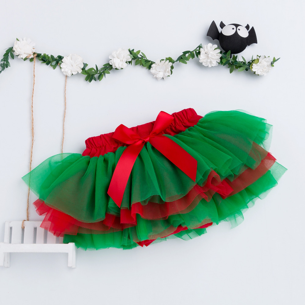 Baby-Girls-Ruffle-Skirt-Christmas-Green-and-Red-Bottom-Tutu-Skirts-Diapers-Infant-bloomers-Pettiskirt-newborn-outfit-2