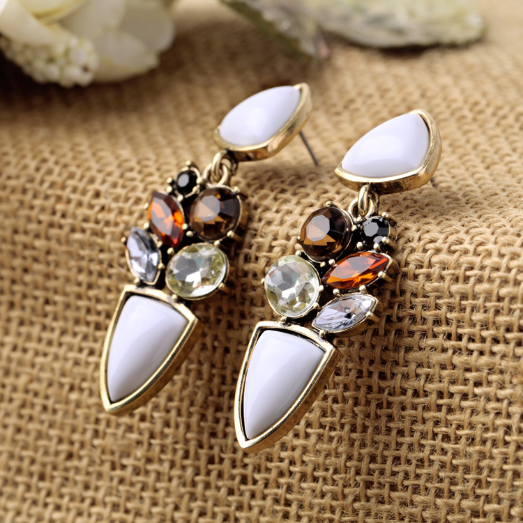 Charming Statement Earrings  5
