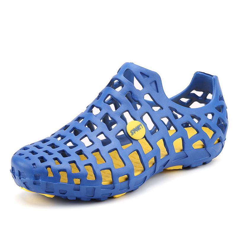 Unisex Breathable Beach Sandals Couples Hollow out Beach Sandals Men Garden Hole Shoes