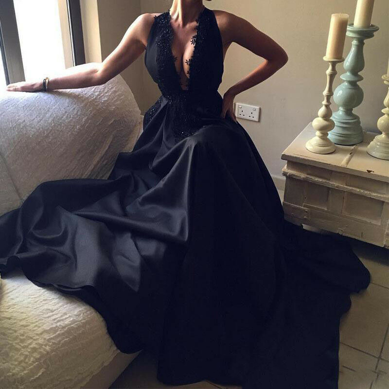 Charming Black Prom Dresses Sexy Deep V Neck Appliques Formal Evening Party Gown