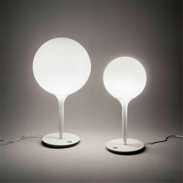 Metallo Bianco Palla Di Vetro Lampada Da Tavolo Design Moderno