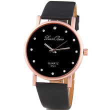 2016 Hot New mujeres de la Llegada Diamante Diseño Simple Dial Redondo Reloj de Cuarzo de Moda Banda de Cuero Reloj de pulsera Montre Femme regalo