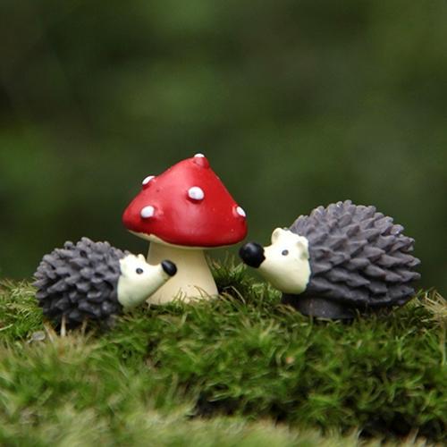 3Pcs/Set Garden Moss Resin Crafts Artificial Mini Hedgehog Red Dot Mushroom