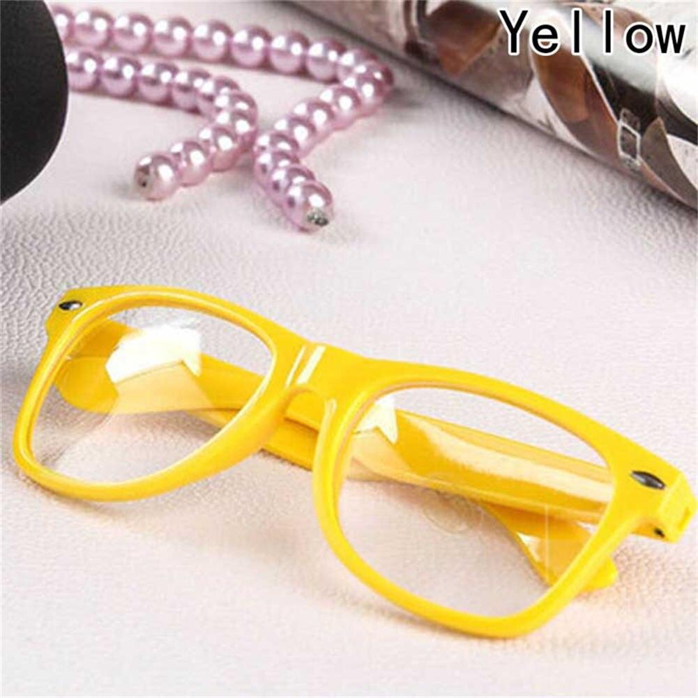 81ee4d2d3ac84 Óculos com moldura colorida e lente transparente sem grau - Cupcake ...