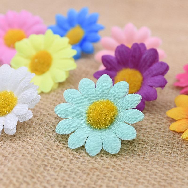 50pcs/lot 4cm Mini Daisy Flower Head Artificial Flowers for Wedding Home Decoration Festival Party Supplies Scrapbook Sunflowers