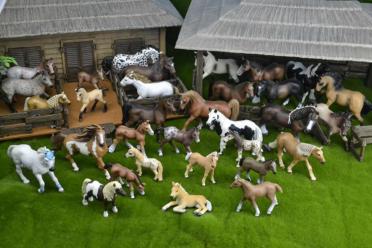 41 types farm Animals Appaloosa Harvard Hannover Clydesdale Quarter arabian Horse collection farm stable figure Model kids toy