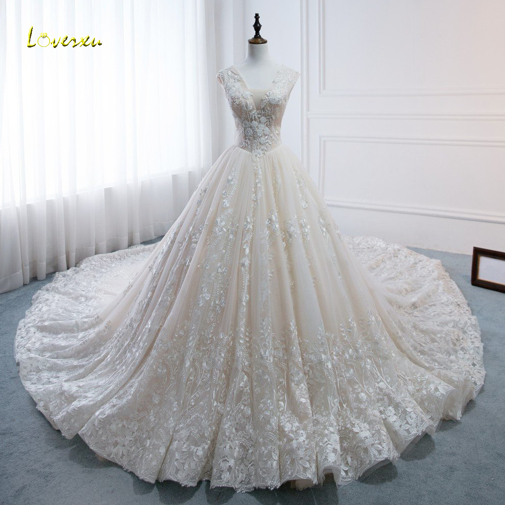Loverxu Vestido De Noiva Royal Train Ball Gown Wedding Dresses 2019 Luxury V Neck Appliques Beaded Pearls Princess Bridal Gown