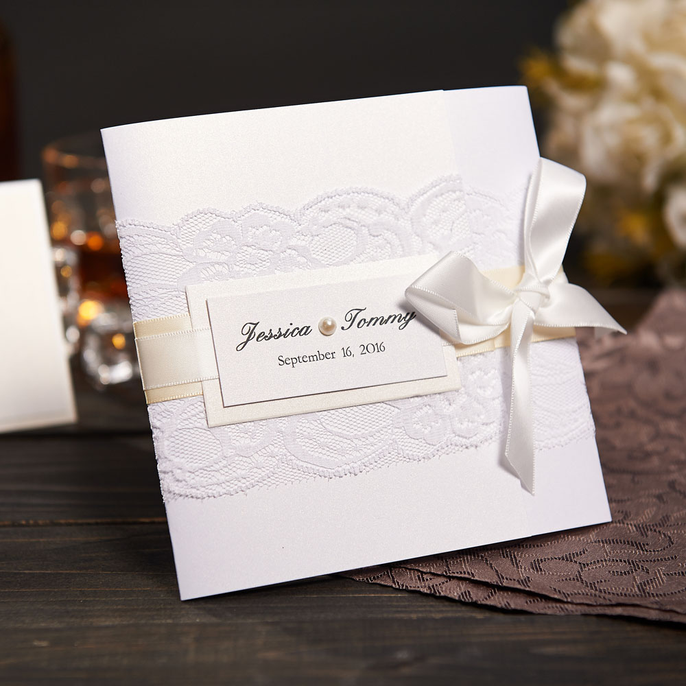 elegante de encaje de la boda con rsvp y sobre tarjetas de felicitacin de